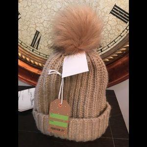 Beige knit hat